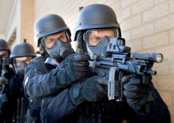 Royal Oman Police Choose Avon for Protection