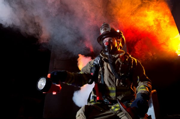 AVON PROTECTION Introduces The Deltair Self-Contained Breathing Apparatus (SCBA) at FDIC Conference (Booth #2639)