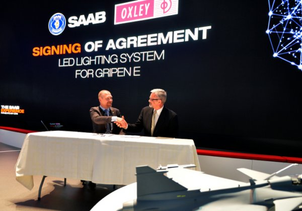 Oxley signs a new business agreement with Saab